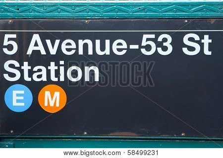 SuSubway Station Sign.new York City (usa)