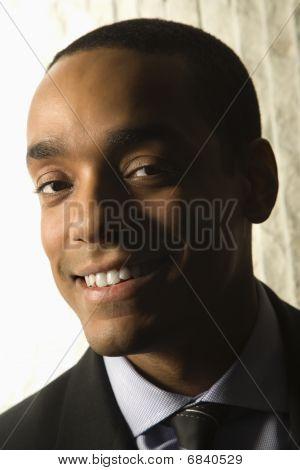 Retrato sorridente do empresário