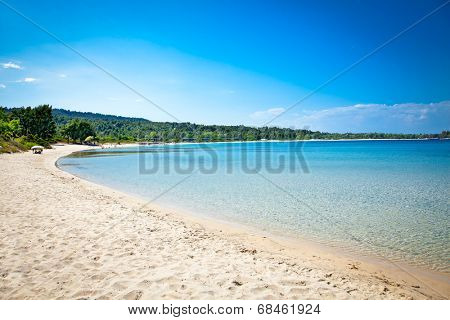 Paliouri sand beach on Kassandra peninsula, Halkidiki,  Greece.