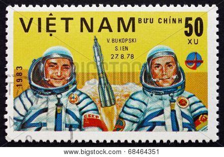 Postage Stamp Vietnam 1983 Bykovsky And Jahn, Cosmonauts