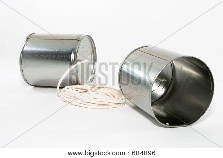 Blechdose Telefone, Nahaufnahme
