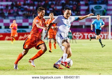 Sisaket Thailand-july 13: Patiparn Phetphun Of Tot S.c. (white) In Action During Thai Premier League