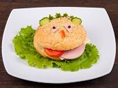 pic of freaky  - Fun food for kids  - JPG