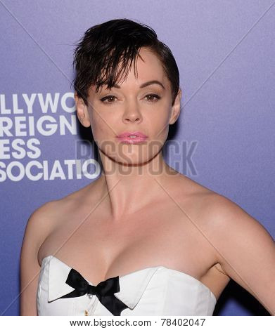LOS ANGELES - AUG 14:  Rose McGowan arrives to the HFPA Annual Installation Dinner 2014 on August 14, 2014 in Beverly Hills, CA