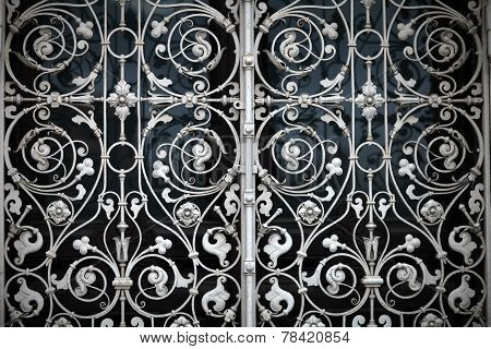 grating with floral patterns