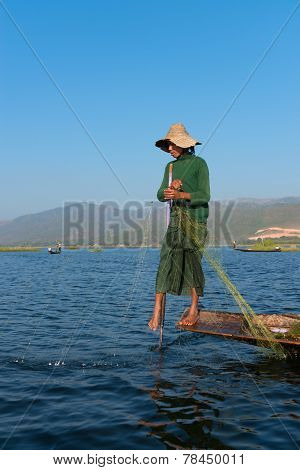 Unique Leg Rowing Style And Fishing In Burma