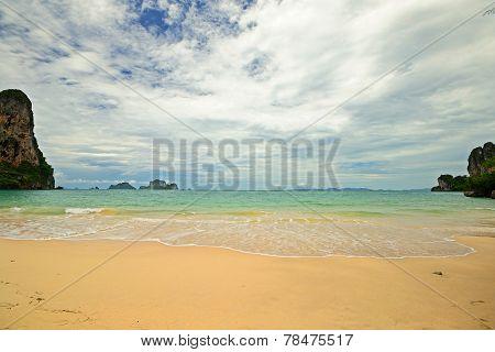 High Tide In Railey Bay
