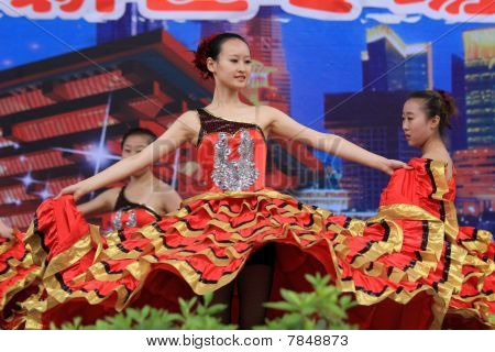 Chinese dancers during World Expo in Shanghai