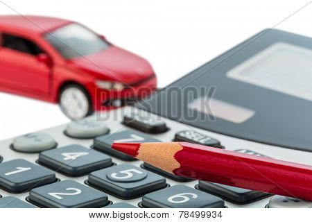 a car and a red pen lying on a calculator. cost of gasoline, wear and insurance. car costs are not paid by commuter tax.