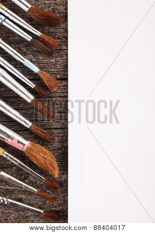 brushes for drawing and blank paper