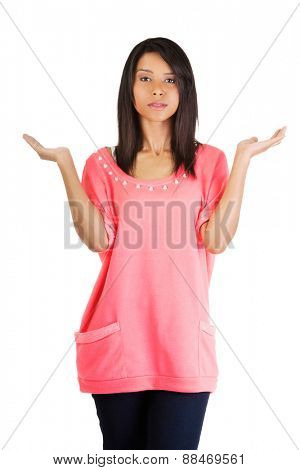 Woman making a scale with her arms wide open.