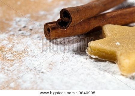 Star With Cinnamon Sticks