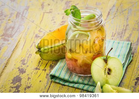 Infused Water Mix Of Starfruit, Grapefruit, And Apple