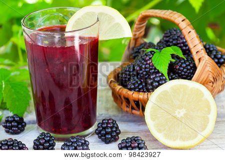 Blackberry and lemon juice