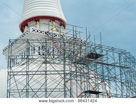 Repair The Pagoda Nakronsitamarat.thailand