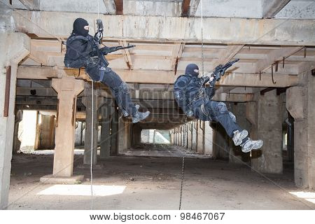 assault rappeling