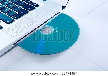 Laptop With Blueray Disk