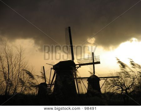 Dutch Windmills In  Kinderdijk 2