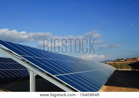 Solar-Kraftwerke. Sonnenkollektoren in Südspanien