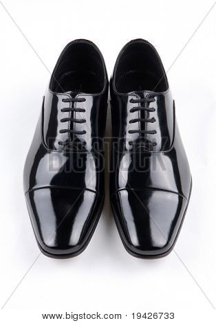black shiny man's shoe