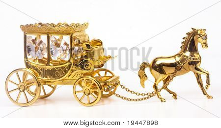The gold carriage with a horse