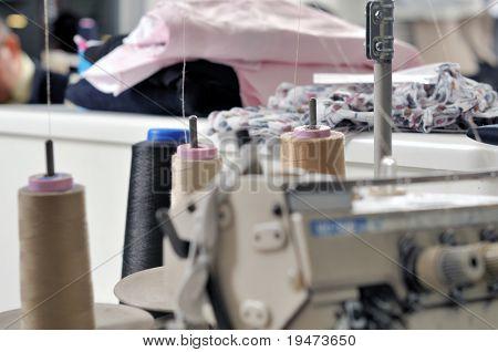 industrielle Nähmaschine schließen eine Reihe von Schneider-Bilder mit Bezug.