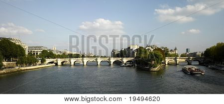 France, Paris: panoramic view of river Seine and Ile de la Cite