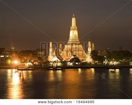 Bangkok - Wat Arun temple: night view  (large format photography)