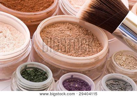 Makeup Articles