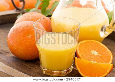 Naranja con zumo de naranja
