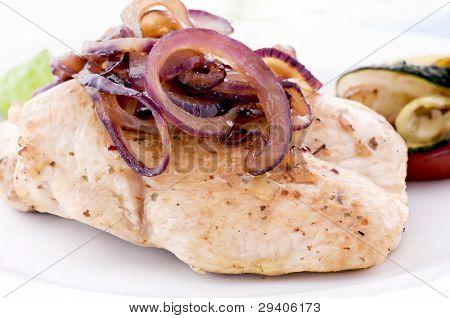 Filete de pollo con cebolla