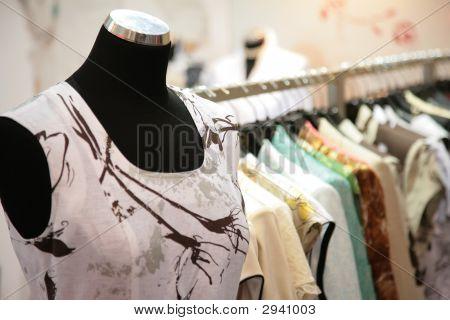 Mannequin In winkel