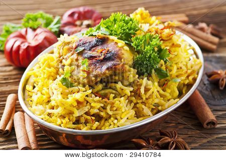 Chicken biryani with spices