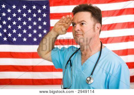Médico americano saúda