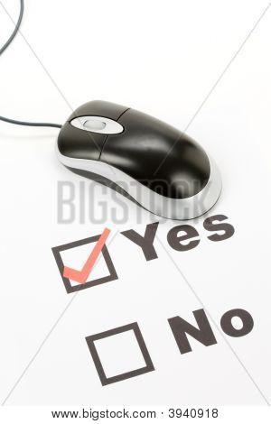 Questionário e Mouse de computador