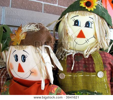 Halloween Scarecrow Couple