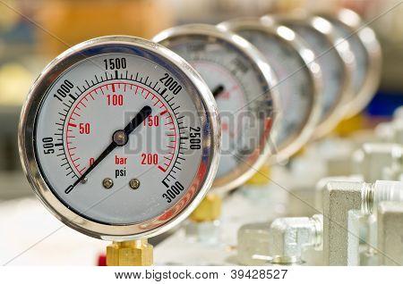 Calibrador de presión hidráulica