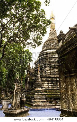 Chedi Shan Style In Wat Papoa , Chiangmai Thailand