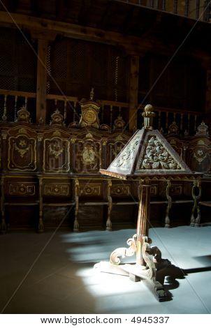 Atril y Pew de un coro de la Catedral