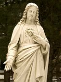 image of sacred heart jesus  - A close - JPG