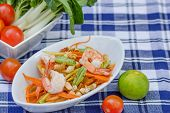 picture of green papaya salad  - green papaya salad thai food Thai cuisine - JPG