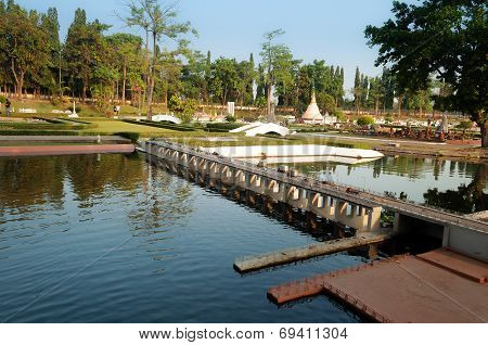 Chao Phraya Dam In Mini Siam Park