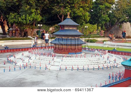 Altar Of Heaven In Mini Siam Park