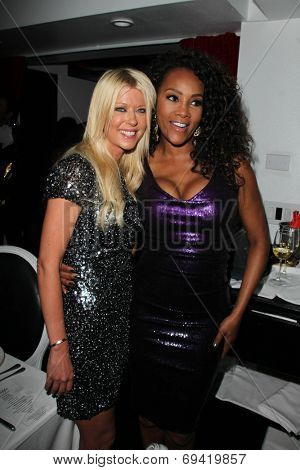 LOS ANGELES - AUG 2:  Tara Reid, Vivica A. Fox at the Vivica A. Fox's Fabulous 50th Birthday Party at the Phillippe Chow on August 2, 2014 in Beverly Hills, CA