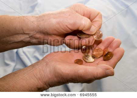 income of old woman - hands and caluclation