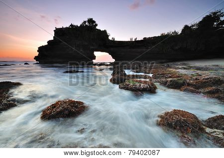 Sunset at Tanah Lot Pura Batu Bolong