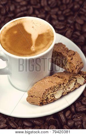 Italian Break, Fresh Expresso Coffee With Cantuccini Cakes