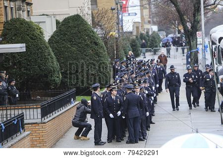84th Precinct officers prepare to enter