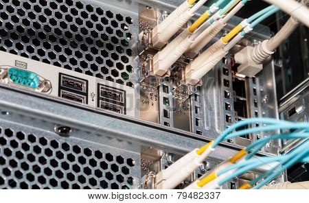 IT redundant fiber optic connection to a cloud services server