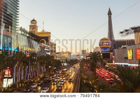 Crowded Boulevard At Sunset In Las Vegas